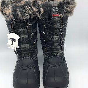Shoes - Waterproof Women's Plaid snow boots jump in snow!